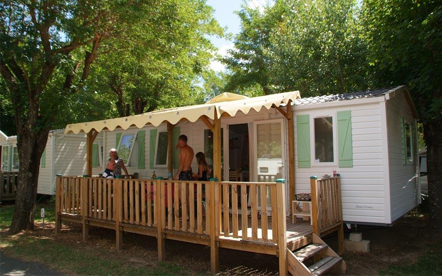 Le camping : Grand air, espace vert, liberté et confort
