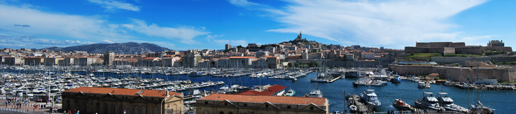 Panorama du Vieux Port de Marseille et de Notre Dame de la Garde